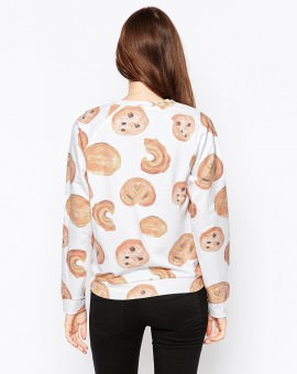 Sweatshirt With Nice Buns Print